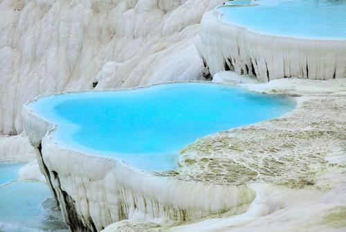 turquoise-pool-at-pamukkale